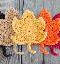 Get ready for the fall with these cute fall leaves. This leaf pattern is done with a H hook and any color of yarn. Enjoy this Crochet Fall Leaves Pattern by The Painted Hinge! Puff Stitch Crochet, Bag Crochet, Crochet Fall, Halloween Crochet, Free Crochet, Holiday Crochet, Thread Crochet, Irish Crochet, Crochet Pumpkin Pattern