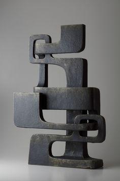 Must-See Art Guide Tokyo artnet News Bronze Sculpture, Sculpture Art, Geometric Sculpture, Sculpture Ideas, Ceramic Sculptures, Japanese Ceramics, Contemporary Sculpture, Ceramic Art, Abstract Art