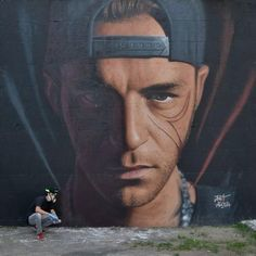I bellissimi ritratti dei più importanti rapper italiani fatti da Jorit Agoch