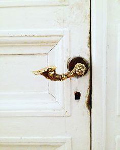 Дверная ручка. Позолота.