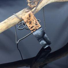 Ein persönlicher Favorit aus meinem Etsy-Shop https://www.etsy.com/de/listing/591413041/wood-resin-jewelerynecklaceedle-holz