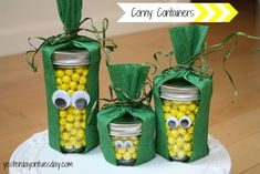 Make these Corny Containers with your kids for a fun Thanksgiving craft!
