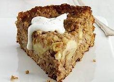 Prøv en lækker bradepandekage med æbler og kanel Danish Dessert, Danish Food, Apple Recipes, Baking Recipes, Cake Recipes, Fodmap, Apple Pie Cake, Pear Cake, Scandinavian Food