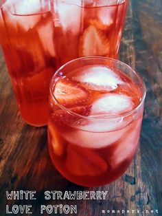 White Strawberry Love Potion Drink Recipe Aardbeiendrankje...met alcohol en verse aardbeien