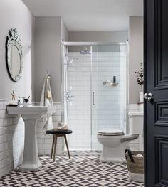idée déco salle de bain Pinterest avec carrelage métro en blanc et douche
