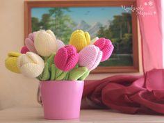 Crochet Tulip Pattern ༺✿Teresa Restegui http://www.pinterest.com/teretegui/✿༻