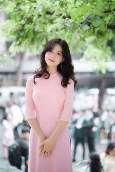 Image gallery – Page 574349758726572681 – Artofit Beautiful Girl Photo, Beautiful Asian Women, Beautiful Indian Actress, Vietnamese Clothing, Vietnamese Dress, Vietnamese Traditional Dress, Traditional Dresses, Ao Dai, Fashion Models