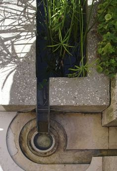 """""""Question everything generally thought to be obvious"""" - DIETER RAMS - (Thoughtful details for Fondazione Querini Stampalia in Venice, Italy. Designed by Carlo Scarpa in Pool Water Features, Water Features In The Garden, Rain Garden, Water Garden, Garden Ponds, Koi Ponds, Landscape Architecture Design, Architecture Details, Carlo Scarpa"""
