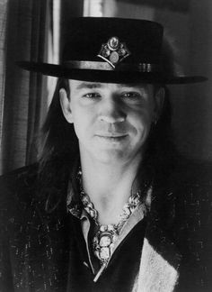 Find Stevie Ray Vaughan bio, music, credits, awards, & streaming radio on AllMusic - A rocking powerhouse of a guitarist who gave… Stevie Ray Vaughan, Rock N Roll, Music Images, Blues Rock, Music Photo, Jimi Hendrix, Led Zeppelin, Actors & Actresses, Portrait