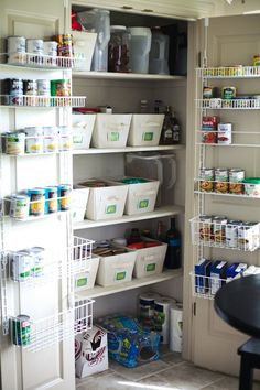 when I have a real pantry one day I will find a way to get it to look like this!