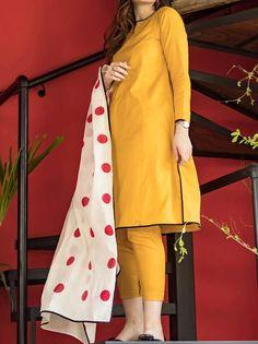 Pakistani Kids Dresses, Beautiful Pakistani Dresses, Pakistani Dress Design, Pakistani Outfits, Elegant Dresses For Women, Stylish Dresses For Girls, Girls Dress Up, Stylish Girl Images, Fancy Dress Design