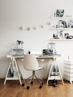A white work space {Inspiration from Hitta Hem}