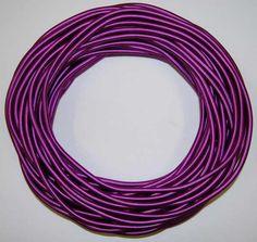ArtNr: HG2123/2.202 Seideumwickeltes Kabel rund 2 x 0.75 Farbe 202 signalviolett. Aufmachung zu 25 Meter / Bund, der angeführte Preis versteht sich pro Laufmeter. Bei bundweiser Abnahme (25 Meter) gewähren wir einen Rabatt von 15%. Das Kabel ist 6 mm stark (Durchmesser). Nach der RAL-Farbkarte vom TIGER-Werk könnte man die Farbe RAL 4008 signalviolett als die im Farbton am besten passende bezeichnen. Gewicht: 1 Bund mit 25 Meter wiegt 1,17 kg. Garden Hose, Stark, Tiger, Make Up, Outdoor, Paint Charts, Wrap Around, Silk, Color