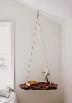 What a gorgeous idea! Refresh your garden or living room with DIY Hanging Table!The hanging table is not Diy Furniture Projects, Home Projects, Diy Projects For Bedroom, Unique Furniture, Craft Projects, Rustic Furniture, Diy Home Furniture, Hanging Furniture, Bedroom Crafts