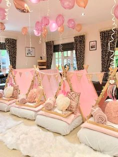 Swoon over this gorgeous boho chic sleepover birthday party! The teepees are mag. - Swoon over this gorgeous boho chic sleepover birthday party! The teepees are magical! See more part - Birthday Sleepover Ideas, Sleepover Room, Sleepover Birthday Parties, Gold Birthday Party, Birthday Party For Teens, Teen Birthday, Teen Spa Party, Girl Spa Party, Birthday Ideas For Her