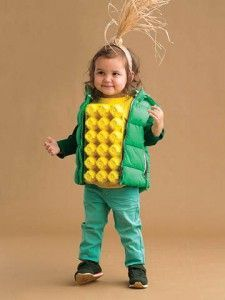 DIY Halloween costumes for kidsno sewing necessary! internet at large there are so many great ideas for DIY Halloween costumes out there. Halloween Dress Up Ideas, Diy Halloween Costumes For Kids, Easy Halloween, Halloween Halloween, Women Halloween, Halloween Makeup, Halloween Decorations, Diy Boys Costume, Halloween College