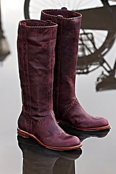 berry-stitched boots - lovely