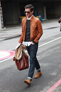 Fashion accessories for men leather jacket outfits, mens brown leather jacket, best leather jackets Brown Leather Bomber Jacket, Leather Jacket Outfits, Jacket Jeans, Sharp Dressed Man, Well Dressed Men, Look Fashion, Mens Fashion, Fashion Fall, Man Style