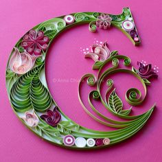 Architect and paper design. Dynamic and curio - Quilling Paper Crafts Ideas Quilling, Paper Quilling Flowers, Paper Quilling Tutorial, Neli Quilling, Paper Quilling Patterns, Quilled Paper Art, Quilling Paper Craft, Paper Crafts, Paper Quilling For Beginners