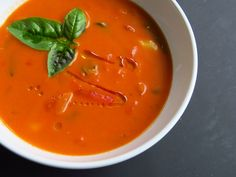 Katia au pays des merveilles: Soupe crémeuse aux tortellini et aux tomates rôties