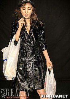 Yang Mi poses for fashion magazine   China Entertainment News