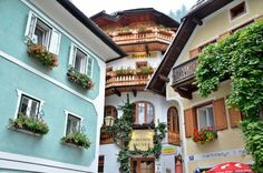 Seewirt Zauner Hallstatt Family-run for 150 years and renovated in 2014, Seewirt Zauner is situated right on the historic market square in Hallstatt's car-free centre and 150 metres from the waterfront at Lake Hallstatt. All rooms offer lake or mountain views.