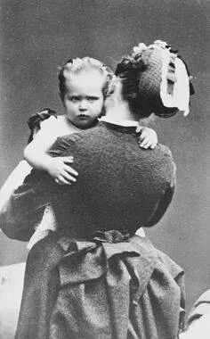 Princess Alix of Hesse (Darmstadt) and by Rhine with a nanny?.A♥W