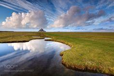 mont saint michel normandy france field leading lines landscape beautiful stunning gorgeous clouds