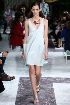 Tod's Spring 2015 RTW – Runway – Vogue