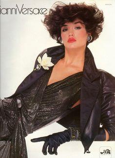 Janice Dickinson - Gianni Versace Fall/Winter 1983-1984