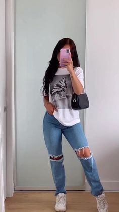 Adrette Outfits, Teen Fashion Outfits, Retro Outfits, Cute Casual Outfits, Stylish Outfits, Trendy Teen Fashion, T Shirt Outfits, Simple School Outfits, Outfits With Jeans