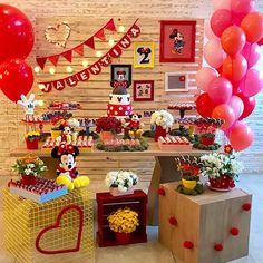 Likes, 29 Comments - Festa Infantil Minnie Mouse Theme Party, Fiesta Mickey Mouse, Red Minnie Mouse, Baby Mickey, Mickey Mouse Clubhouse, Mickey Mouse Birthday, Mouse Parties, Birthday Decorations, Mickey Party Decorations