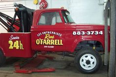 Pierre Tardif, lettreur traditionnel à la main depuis 1988 - Baron Mag Dodge Trucks, Tow Truck, Ste Claire, Small Trucks, Old Pickup, Dodge Power Wagon, Baron, Parfait, Stone