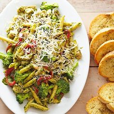 Pesto Penne with Deli-Roasted Chicken: We love turning to fresh pesto as an alternative to marinara sauce, but that's not the only reason to fall for this chicken pasta recipe. This 20-minute dish also boasts delicious add-ins including deli-roasted chicken, broccoli, and roasted red peppers.