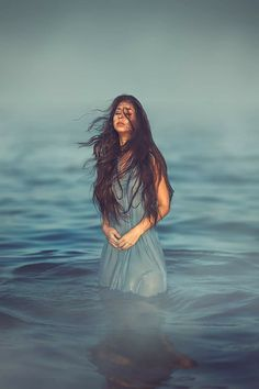 Water photo shoot inspo