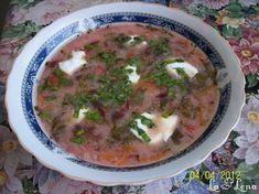 Din cate stiu, bucataria traditionala din aceasta parte a tarii (Ardeal) a fost foarte influentata de populatia de origine maghiara si germana. Ciorbele de aici sunt acrite cu otet, sare de lamaie sau zeama de varza si foarte caracteristic pentru aceasta zona este tarhonul, folosit pentru a da aroma ciorbelor. Sper sa va placa reteta. Stevia, Cheeseburger Chowder, Pork, Romania, Kale Stir Fry, Pork Chops