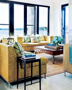 Living room design: Bright, colourful cottage living room design {PHOTO: Donna Griffith}