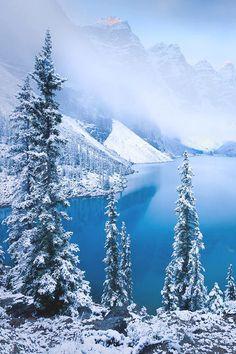 italian-luxury:  Winter by the mountains |Italian-Luxury|Photographer
