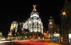 Resultado de imagem para cidade de madrid a noite