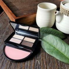 Want to look good for your travel spot check-in? It's now chic to travel in prettiest and most photogenic outfits. Grab a box of miniature-sized products for a fraction of the price that a full will cost, and slip them into your luggage for luxe looks that are super portable. We like the Bobbi Brown Instant Pretty Eye & Cheek Palette, which comes with four shades of eyeshadow, plus Nectar rouge, and a mini shadow brush for the ultimate convenience. #strawberrynet #TravelSet #makeup… Look Good For You, Metallic Eyeshadow, Eyeshadow Brushes, Powder Foundation, Pretty Eyes, Makeup Palette, Makeup Addict, Lip Colors, Bobbi Brown