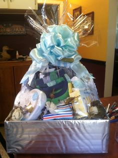 Cheap baby gift basket savvy tips for a cute and inexpensive baby shower gift basket negle Gallery