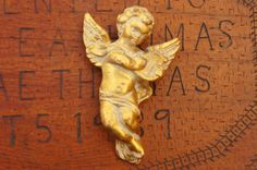 Vintage 60s Gold Chalk ware Cherub Angel Wall by SycamoreVintage
