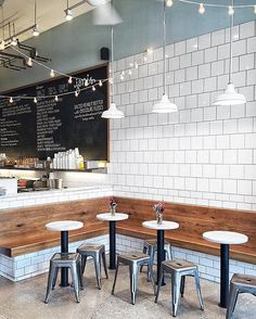 Jeni's Southport, chicago—Hot summer days and ice cream go together like pea. Coffee Shop Interior Design, Coffee Shop Design, Cafe Design, Design Design, Restaurant Concept, Restaurant Design, Modern Restaurant, Bar Laitier, Cafe Bar