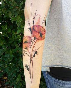 Tatto Chris #ink #tattoo #tatouage #aquarelle #aquarelletattoo #watercolor #forarmtattoo #colortattoo #poppy #poppytattoo #coquelicot #graphictattoo #tattoographic