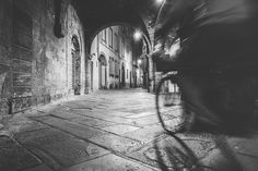 Me,my camera and the night we are a good friends. #Lucca #tuscany personal #blackandwhite #B&W #photography #night #photographer #longexposure #sony #sonyphotographer #exibition #story #view #free #travel #around #old