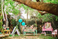 You need to see this party. Combining boho elements with a stunning woodland theme, this Boho Woodland Camping Party at Kara's Party Ideas is a must see! Owl Parties, Twins 1st Birthdays, A Little Party, Camping Parties, Woodland Theme, Ideas Para Fiestas, Boho, Event Design, Party Time
