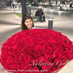 Get the hit - This huge flower bouquet is THE one this Valentine's day! By: Der Valentinstag gilt als eine meiner liebsten Ge