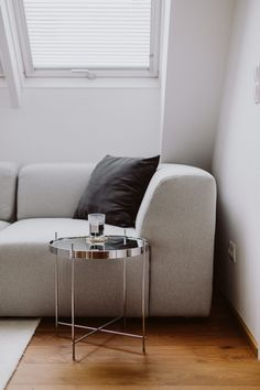 Top 3 Sofa Trends 2019: Was wir aktuell lieben - Love Daily Dose Sofas, Living Rooms, Living Spaces, Dose, Interior Design Inspiration, Lounge, Couch, Trends, Pillows