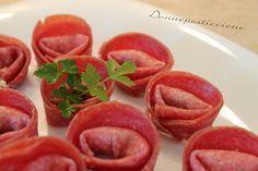 I tortellini di salame, gorgonzola e robiola sono molto saporiti oltre ad essere particolari nell'aspetto.