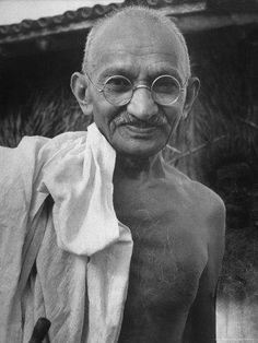 Gandhi: A Life Inspired. Mahatma Gandhi, was the preeminent leader of Indian independence in British-ruled India. Documentary Photographers, Female Photographers, Inspirer Les Gens, Margaret Bourke White, Poster S, Martin Luther King, Rare Photos, Famous Faces, Change The World